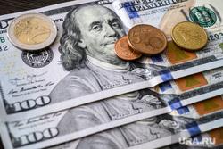 Валюта. Екатеринбург, наличка, евро, курс валют, курс валюты, деньги, наличные, доллары, сто долларов, франклин на купюре