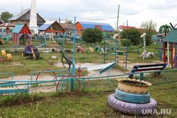 Визит врио губернатора Вадима Шумкова в Петуховский район. Курган, детская площадка, детский сад