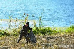 Очистка реки Миасс от мусора  министерством экологии, с участием Сергея Лихачева. Челябинск, уборка мусора, очистка реки, река миасс