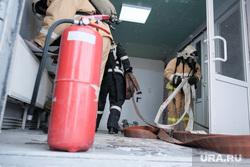 Пожарно-тактические учения МЧС на территории ТЦ ГиперСити. Курган, мчс, огнетушитель, пожарный шланг, учения мчс, пожарные