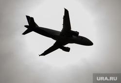 Двадцатый день вынужденных выходных из-за ситуации с CoVID-19. Екатеринбург, уральские авиалинии, ural airlines, самолет, самолет в небе