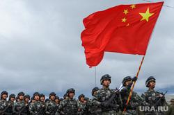 Торжественное открытие совместного военного антитеррористического командно-штабного учения вооруженных сил государств – членов ШОС «Мирная миссия – 2018». Челябинская область, Чебаркульский район, армия, военные, флаг китая, мирная миссия2018, парад, китайская армия