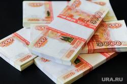 Деньги, валюта, банкноты, рубли, евро. Челябинск, 5тысяч, деньги, рубли