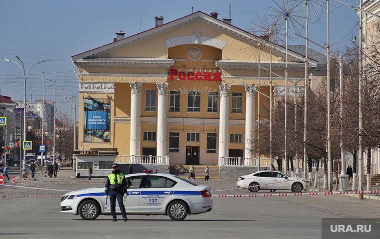 Ограничение стоянки автомобилей на площади Ленина. Курган