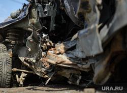 Агитпоезд РЖД по безопасности на железнодорожных переездах. Екатеринбург, дтп, разбитая машина, металлолом, авария