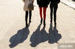 Ноги. Челябинск, тень, ноги, весна, девушка