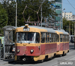 Екатеринбург во время пандемии коронавируса COVID-19, трамвай, общественный транспорт, маршрут25