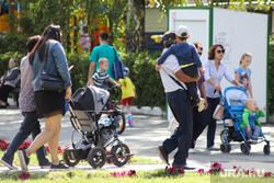 Виды города. ЦПКиО. Курган, семья, коляска детская, парк, дети, цпкио курган