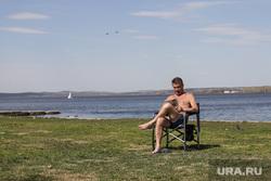 Загорающие на Визовском пляже. Екатеринбург, загорать, лето, жара, визовский пляж, пляж, загорающие, загорающие на визе