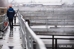 Южная аэрационная станция МУП «Водоканал». Екатеринбург, водоканал, муп водоканал, очистные сооружения, рабочий, южная аэрационная станция, аэротенк с биологической очисткой