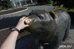 Город в период самоизоляции 27 мая 2020. Пермь, памятник пермский медведь