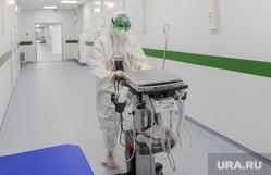 Областной инфекционный центр, красная зона. Челябинск, больничный коридор, защитный костюм, зеленая зона, скафандр, коридор больницы, здоровье, медицина, врачи, здравоохранение, защитная одежда, больница, медики, доктор, чистая зона, коронавирус, сиз, covid, ковид, противочумной костюм, инфекционный центр, средства индивидуальной защиты