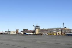 Аэропорт Новый Уренгой. Новый Уренгой, аэропорт, взлетное поле