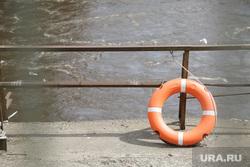 Рыбаки на Камской ГЭС. Пермь, спасательный круг, берег, купальный сезон, утопающий, утопленник, река