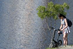 Виды Екатеринбурга, набережная, велосипед, берег, жара, водоем, лето в городе