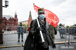 Оцепление Красной Площади 9 мая. Москва, красный флаг, бессмертный полк, москва, масочный режим