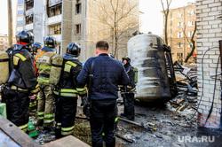 Последствия взрыва кислородной станции в госпитале на базе ГКБ№2. Челябинск, мчс, пожарные, место взрыва