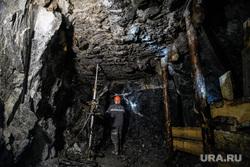 Малышевское изумрудно-бериллиевое месторождение Мариинский прииск. Свердловская область, шахта, шахтер, горнопроходчики, мариинский прииск, работа под землей, забой