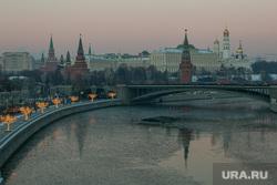 Виды Кремля с Патриаршего моста. Москва, город москва, кремль, большой каменный мост, москва-река