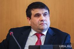 Пресс-конференция вице-спикера Тюменской областной думы от оппозиции Владимира Пискайкина. Тюмень, пискайкин владимир
