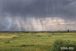 Председатель совета директоров ПАО «Газпром» Виктор Зубков посетил Сафакулевский район. Курган, поле, гроза, пасмурно, непогода, тучи, ливень, природа, дожди