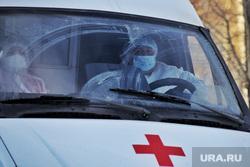 Фельдшеры. Машины скорой помощи. Курган, защитный костюм, скорая помощь, фельдшер, covid19, коронавирус, covid, пандемия коронавируса, городская больница 2, машина скорой медицинской помощи