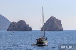 Черноморский флот, Крым и летний отдых. ХМАО, море, крым, яхта, ялта, скала, утес, отдых, Гурзуф, черное