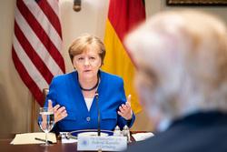 Ангела Меркель, bundeskanzlerin.de, флаг германии, флаг сша, меркель ангела, трамп дональд