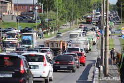 Автобусный вокзал и виды города. Курган, автомобильная пробка, лето, затор на дороге, трафик, мост бурова-петрова, пробка машины
