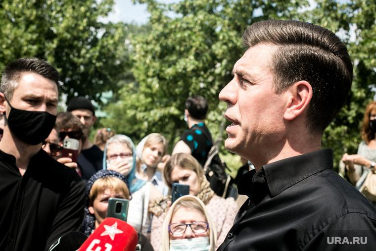 Прощание с Петром Мамоновым в Донском монастыре. Москва