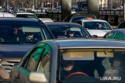 Пробки в городе. Москва, машины, пробка, водитель, трафик, автомобили, правый руль, автотранспорт