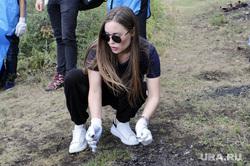 Михалкова Юлия на акции по уборке мусора на озере Тургояк. Челябинск , михалкова юлия