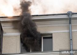 Пожар в многоэтажном жилом доме на улице Шейнкмана. Екатеринбург, дым, жилой дом, пожар, квартира, возгорание