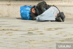Виды Венгрии. Будапешт, Сзалка, Пакш, бомж, бездомный, бродяга, нищий