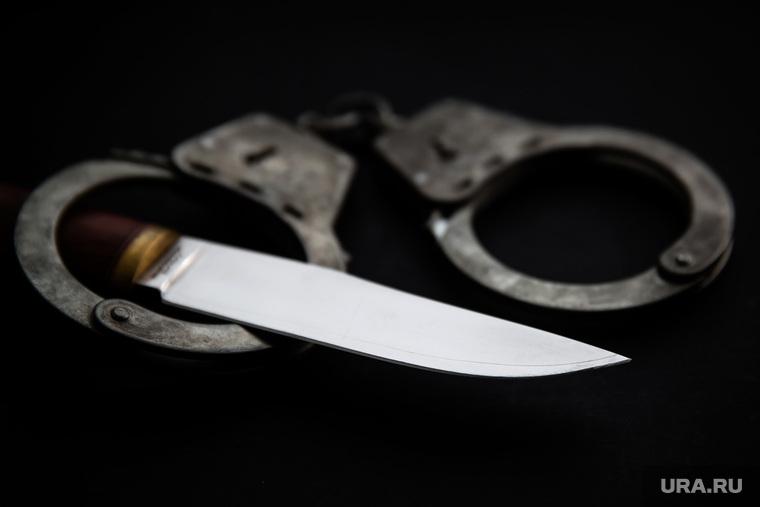 Клипарт. Сургут, уголовное дело, преступление, нож, поножовщина, наручники, криминал