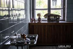 Третий этаж центра городских практик «Дома Маклецкого». Екатеринбург, кукла, детская больница, медицинские инструменты