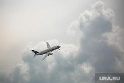 Показательные полеты авиации на МАКС-2021. Москва, авиашоу, авиация, самолет, сухой, ssj100, PowerJet SaM146