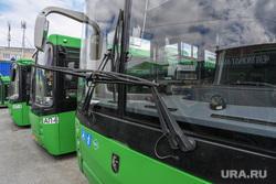 Автобус 54 маршрута, разбитый пассажирами в день 295-летия Екатеринбурга, автобус
