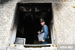 Последствия пожара в жилом доме на улице Стахановская, 51а. Екатеринбург