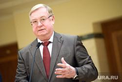 Пресс-подход по итогам совещания по расселению аварийного фонда в резиденции губернатора Свердловской области. Екатеринбург
