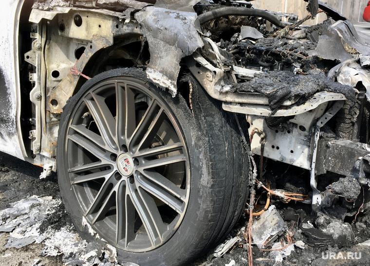 Сгоревший Porsche Macan. Магнитогорск