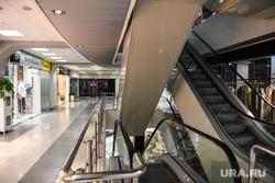 Торговый центр Гермес Плаза. Екатеринбург, эскалатор, пустой торговый зал, пустой тц, торговый центр гермес плаза, тц гермес плаза