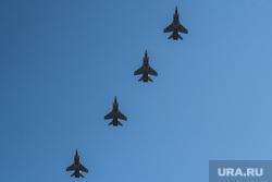 Репетиция воздушного парада над Екатеринбургом. Екатеринбург, военная авиация, су-24, воздушный парад