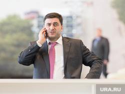 Совещание Евгения Куйвашева с муниципалитетами в Экспо. Екатеринбург , разговор по телефону, третьяков антон