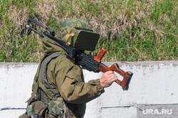 Солдаты, армия. Челябинск., пулемет