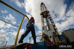 Нефтяная буровая. Ноябрьск, буровая, нефтяники, нефть, буровики, добыча нефти