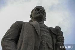 Памятник Ленину на площади революции. Челябинск, памятник ленину, монумент, площадь революции, ильич, скульптура ленин