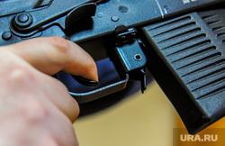 Оружие и патроны. Челябинск, автомат калашникова, убийство, оружие, бандитизм, терроризм, стрельба, карабин, сайга, курок, бойня