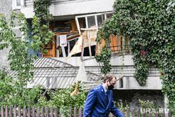 Взрыв в жилом доме на улице Индустрии, микрорайон Уралмаш. Екатеринбург, разбитое окно, улица индустрии57/2, разрушенная квартира