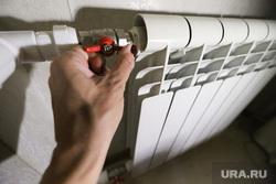 Клипарт на тему отключения, включения отопления. Курган, холод, радиатор, отопление, батарея отопления, батареи